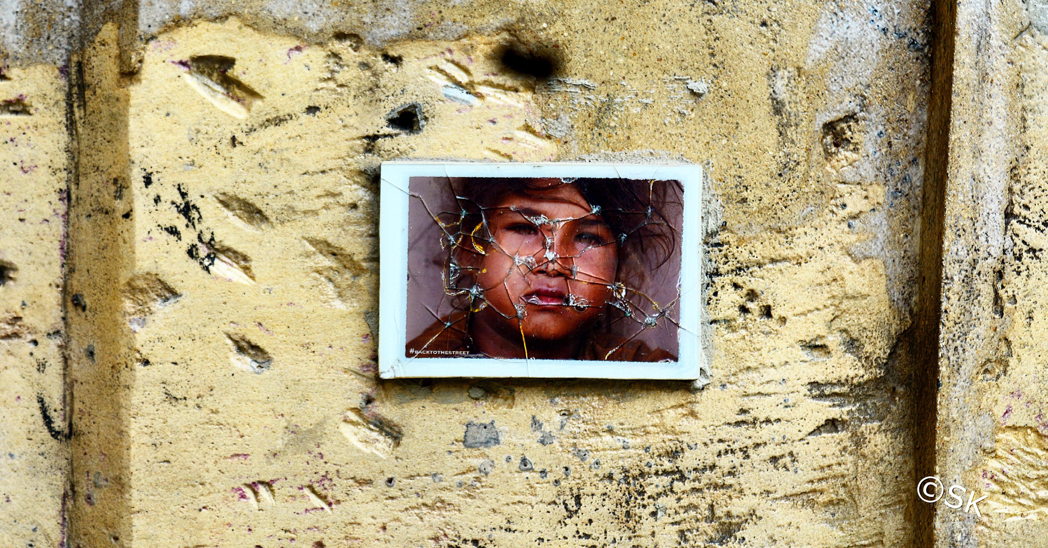 Stranger on a parisian wall